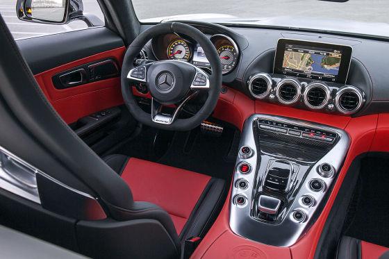 Mercedes AMG GT Cockpit