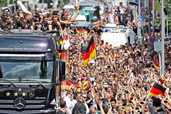 Fussball Weltmeister 2014 Empfang In Berlin Autobild De