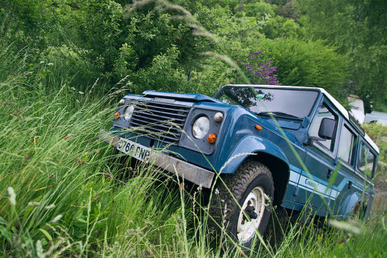 Land Rover 110 County V8