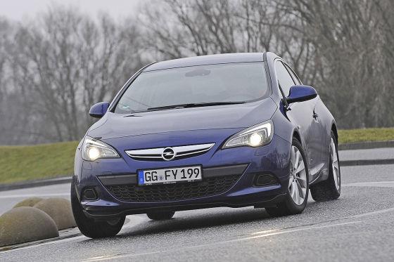 Opel Astra GTC 1.6 DIT blau Frontansicht