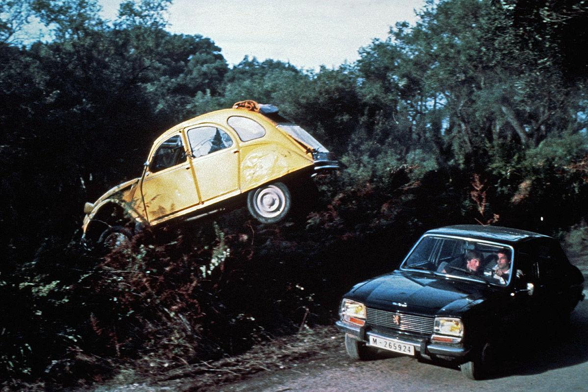 Citroën 2CV und Pegeot 504