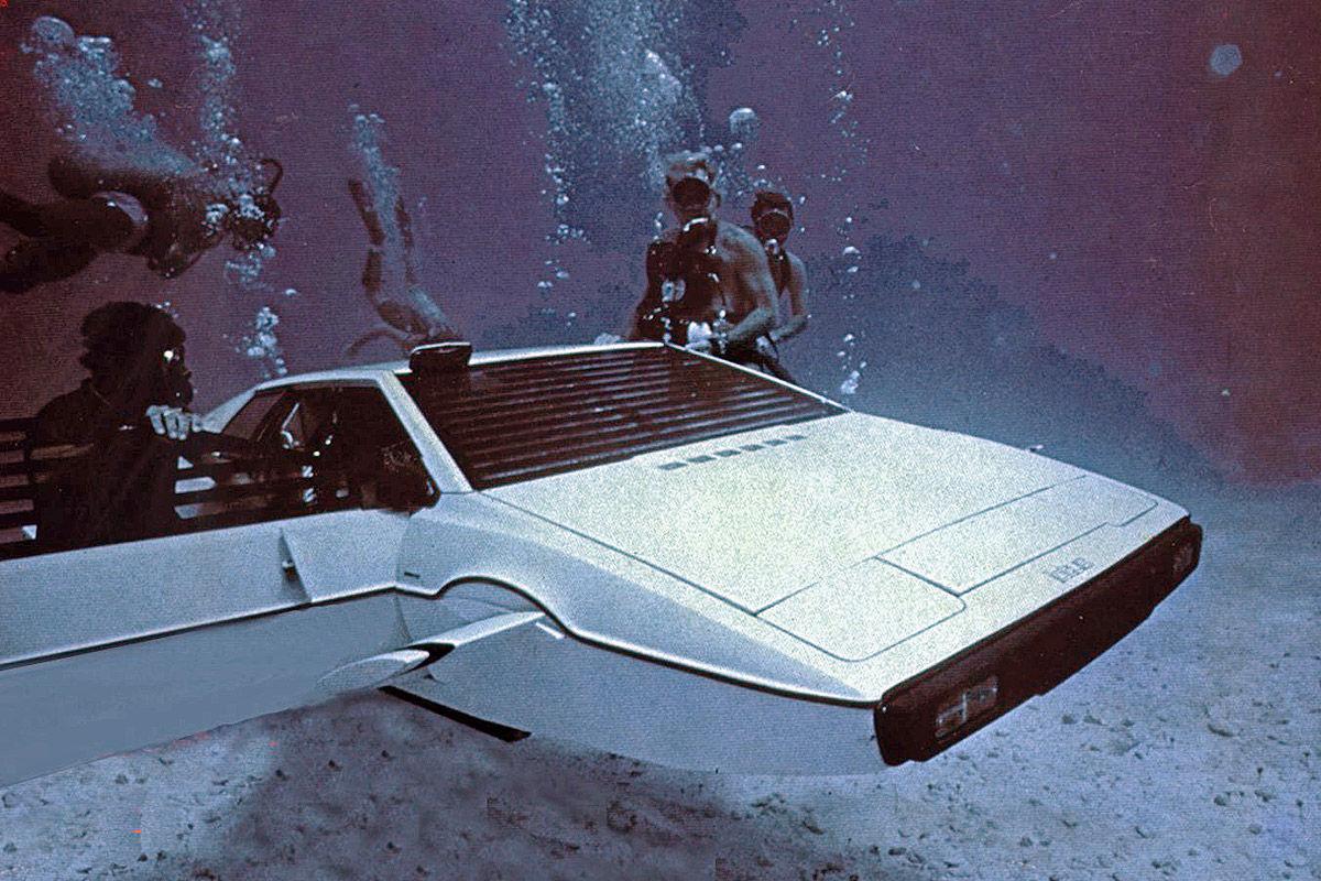 Lotus Esprit S1 als U-Boot