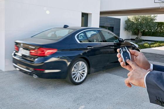 BMW zeigt die Entwicklung vom 5er