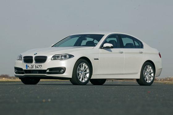 BMW zeigt neues 5er-Cockpit