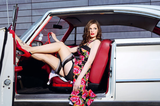US-Cars und Pin-up-Girls