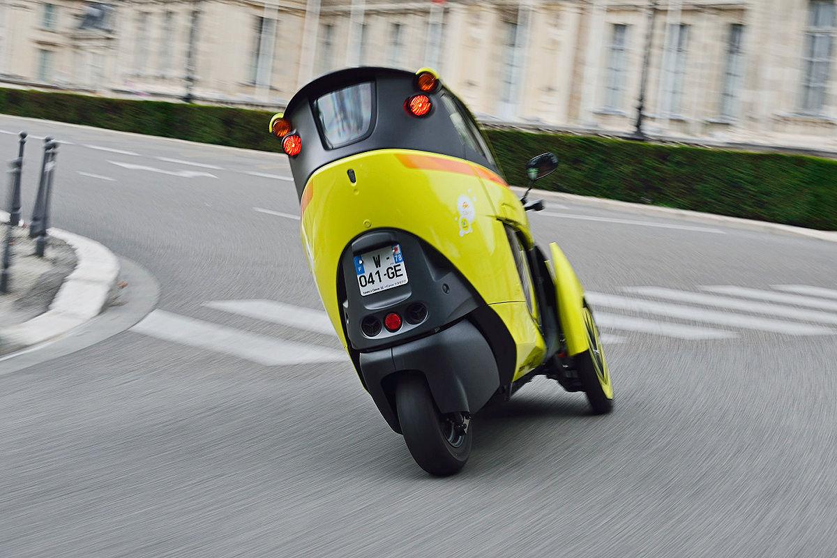 Toyota i-Road gelb