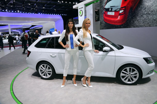 Video Skoda Fabia Combi Iii Paris 2014 Autobild De