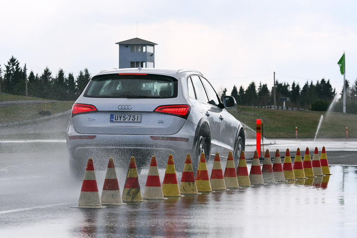 Winterreifen-Test, Audi Q5, Bremstest