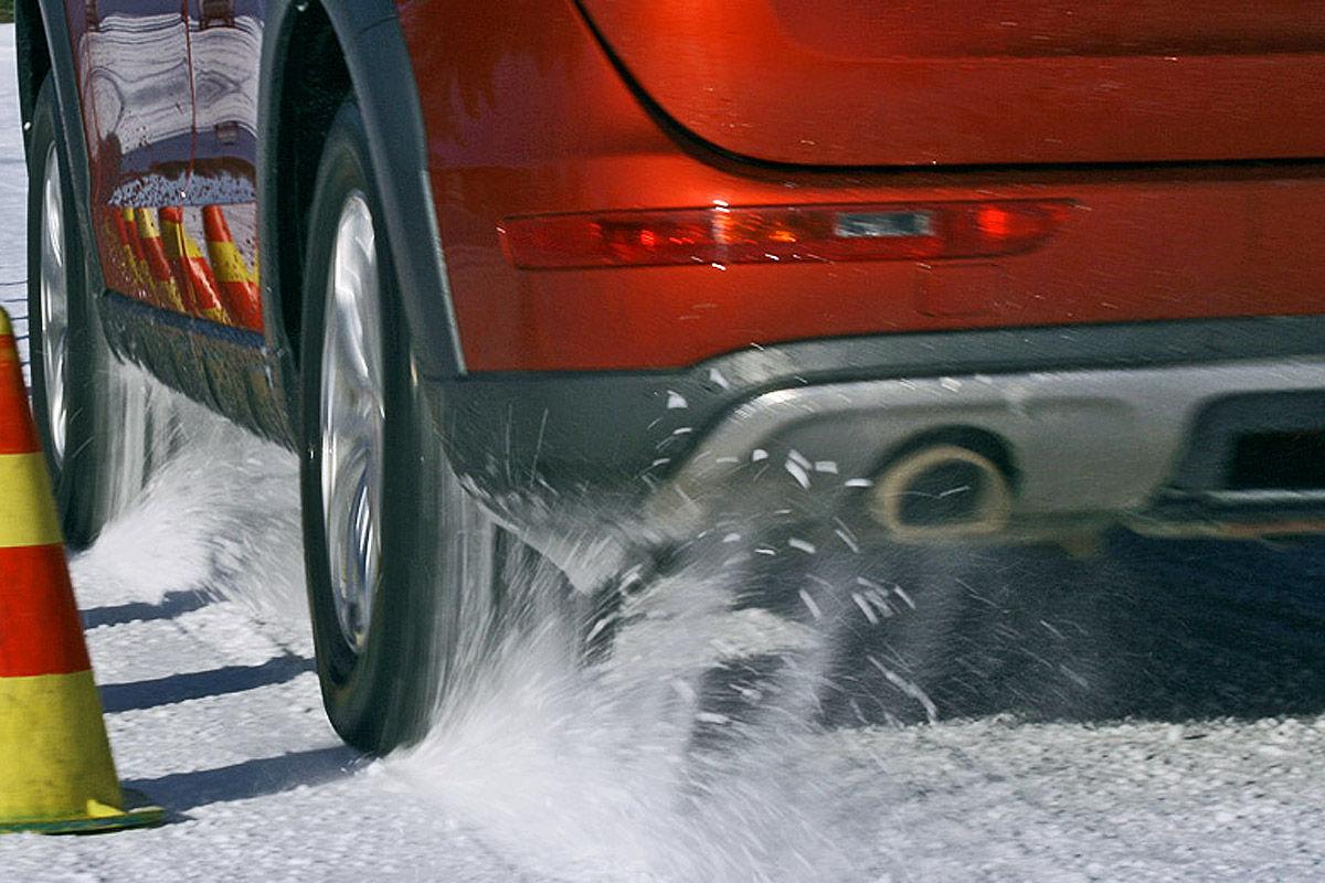 Winterreifen-Test, Audi Q5, Traktions-Test