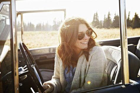 Die-richtige-Sonnenbrille-beim-Autofahren-Tipps-f-r-guten-Sonnenschutz