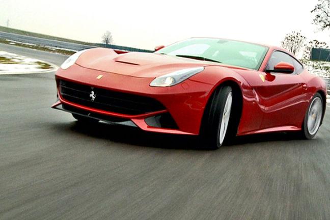 Video: Ferrari F12 Berlinetta vs. Lamborghini Aventador ...