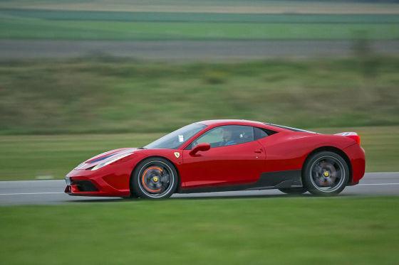 Ferrari 458 Speciale rot Seitenansicht