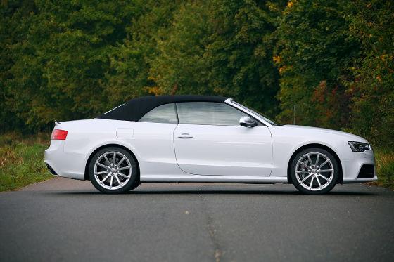 Audi RS 5 Cabrio weiß Seitenansicht