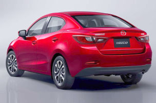 Kleiner Mazda als Viertürer