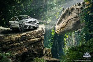 Mercedes im Dino-Fieber
