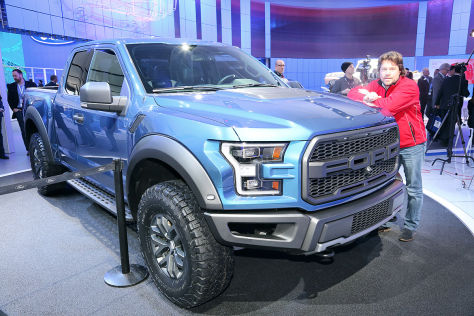 b ser pick up so sitzt es sich im ford f 150 raptor. Black Bedroom Furniture Sets. Home Design Ideas