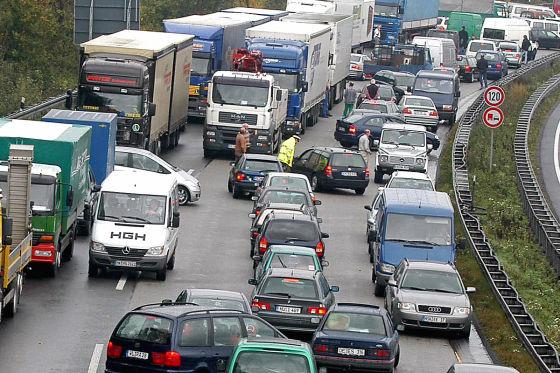 Stau-Chaos auf der Autobahn