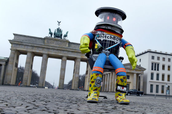 Hitchbot am Brandenburger Tor