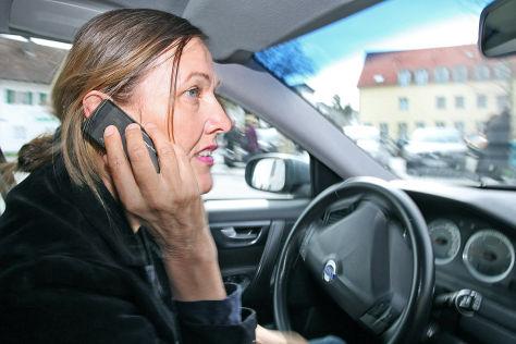 NRW will nach Unfällen Handys sicherstellen