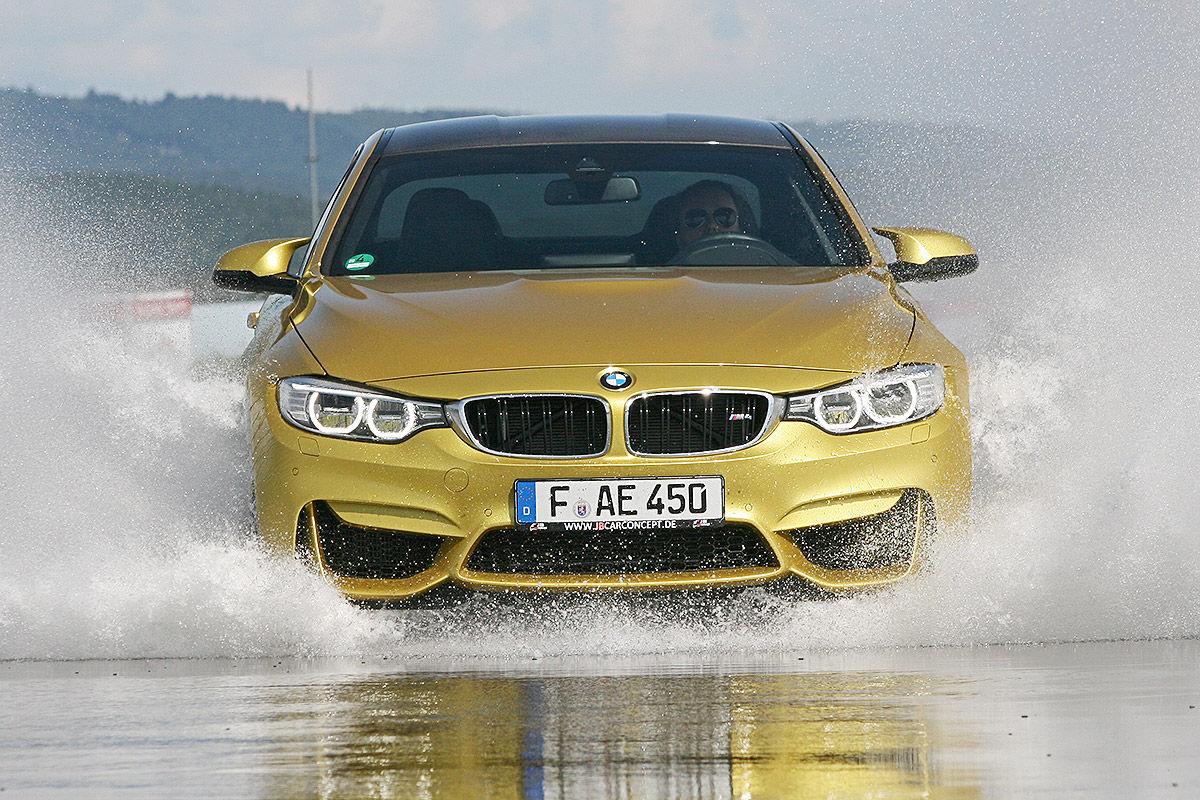 BMW M4, Sommerreifen-Test, Aquaplaning