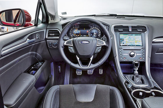 Ford Mondeo Cockpit