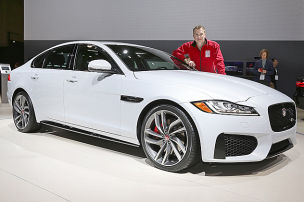 Jaguar mischt Oberklasse auf