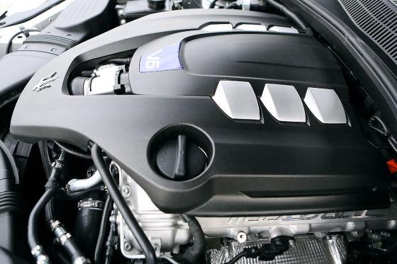 Maserati Quattroporte S Q4 Motorraum