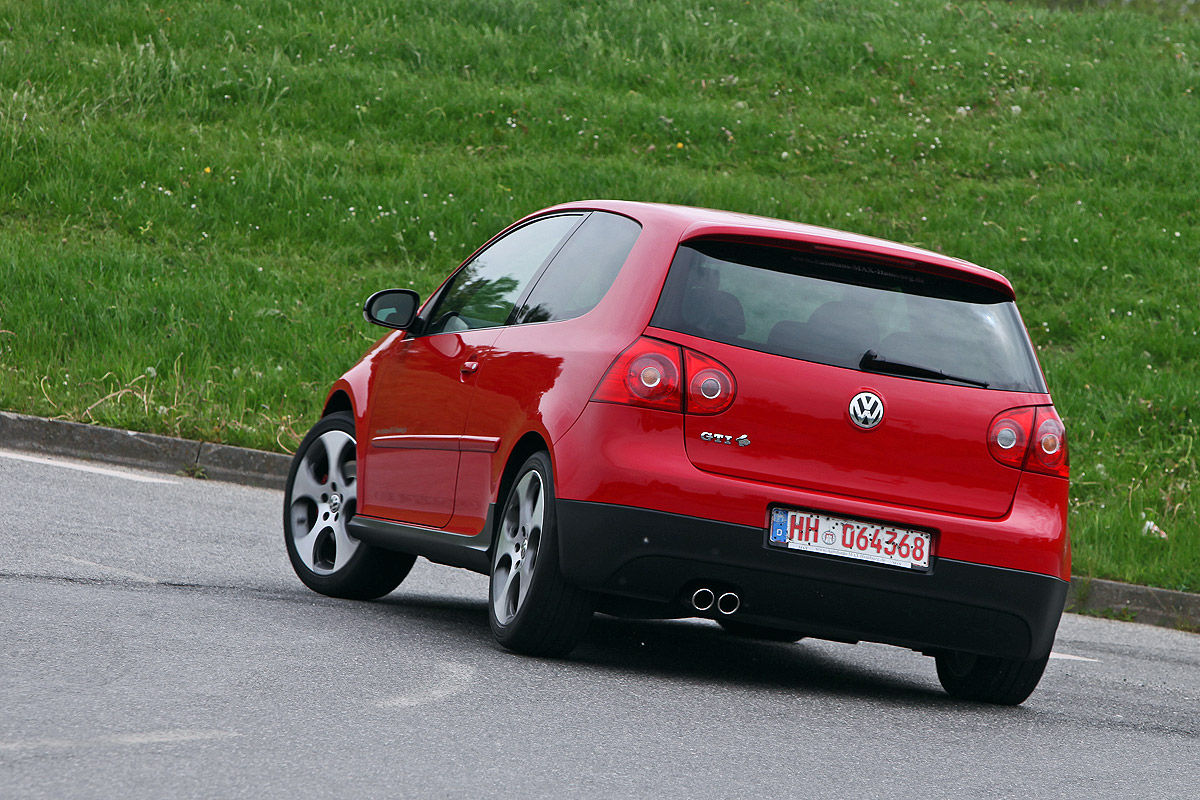 vw golf v gti im test bilder. Black Bedroom Furniture Sets. Home Design Ideas