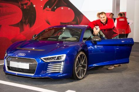 Audi R8 E Tron Generation Ii 2015 Sitzprobe Autobild De