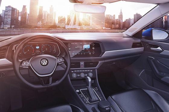 Der VW Jetta wächst