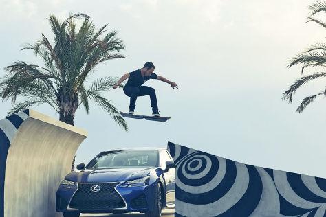 VW Golf Sportwagen >> Lexus Hoverboard: Schwebendes Skateboard in Aktion – Video ...