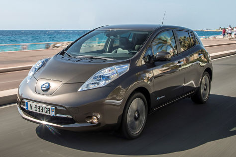 nissan leaf f hrt bald 250 kilometer weit. Black Bedroom Furniture Sets. Home Design Ideas