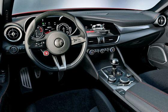 Afla Romeo Giulia Cockpit