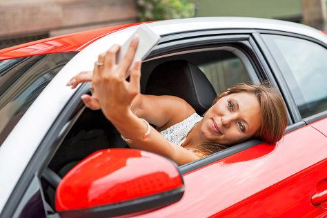 Handy am Steuer Selfie