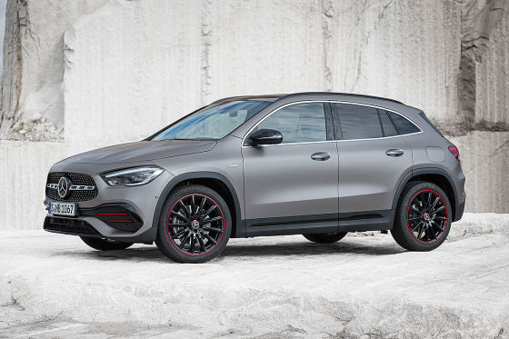 Mercedes GLA Illustration