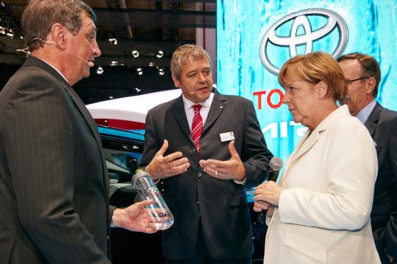 Ein Astra für Merkel