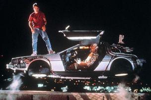Mit dem DeLorean auf Zeitreise