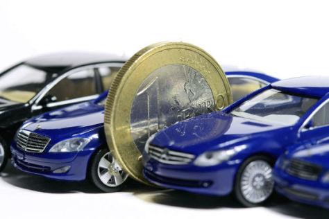 Symbolfoto   Autokauf   Autofinanzierung
