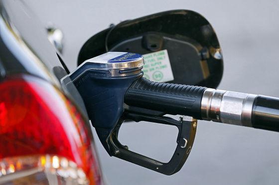 Diesel um 18 Cent billiger als 2014