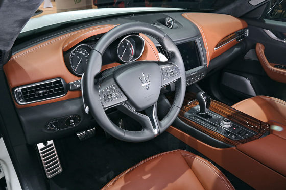 Der Maserati Levante sitzt wie angegossen