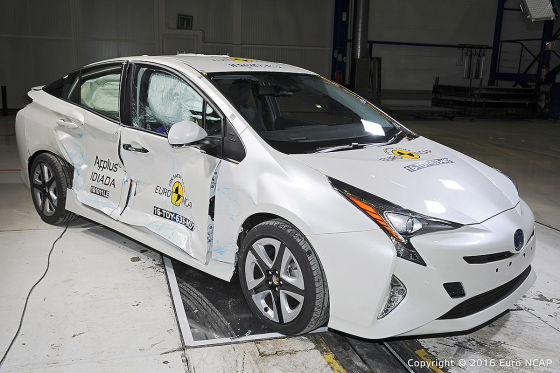 Euro NCAP 2016: Toyota Prius