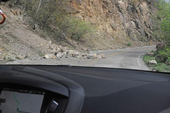 Steinschlag auf der Straße