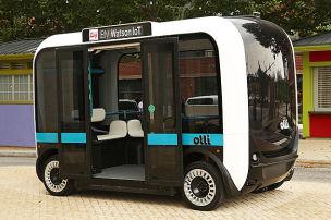 Sprechender Roboter-Bus