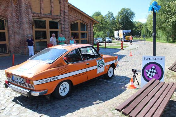 Klebepflicht zum Rallyestart