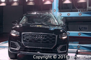 So crasht der Audi Q2