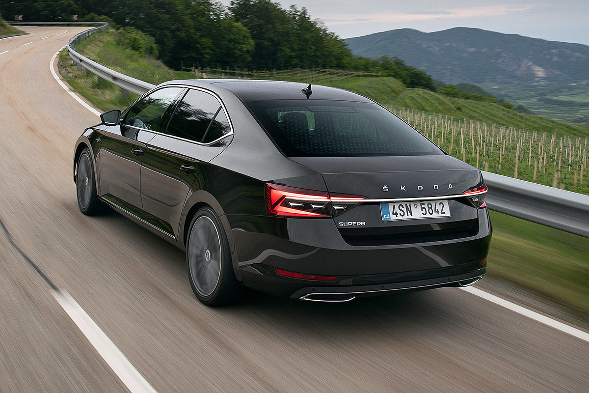Skoda Superb Facelift (2019)