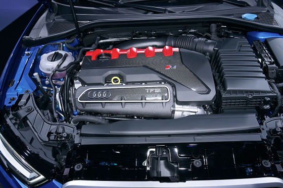 400 PS und Stufenheck für den RS 3