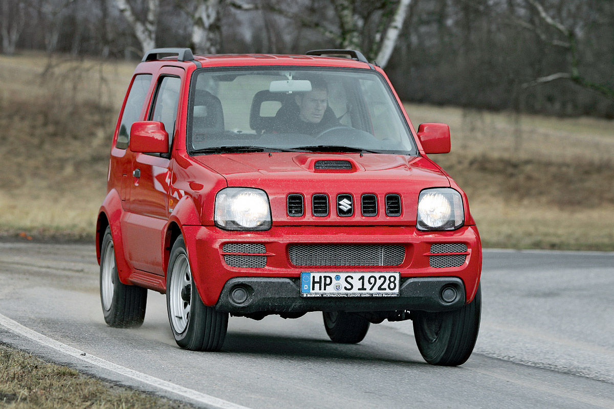 suzuki jimny im gebrauchtwagen test bilder. Black Bedroom Furniture Sets. Home Design Ideas