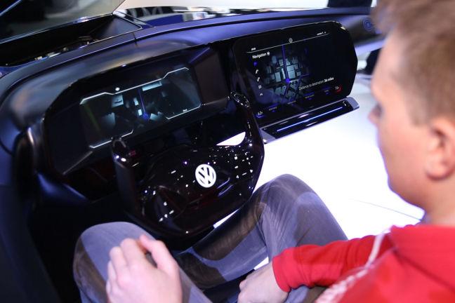 Video Vw Golf 8 Cockpit Ces 2017 Autobild De