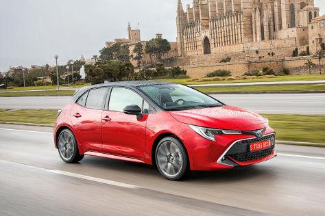 Lampen Toyota Auris : Toyota corolla test motoren preis hybrid kombi